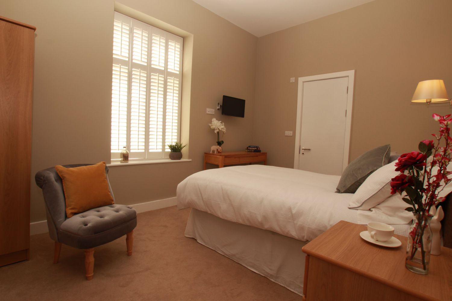 single bedroom at parkland place